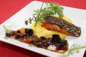 http://www.sushitakeda.com.br/wp-content/uploads/2015/01/salmão-na-crosta-de-gergelim-300x200.jpg